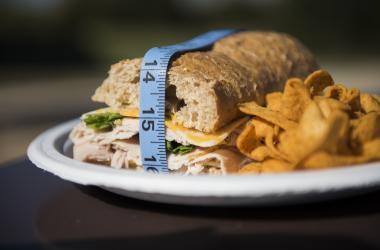 "mancare obezitate cancer generaţiei de ""millenials"""